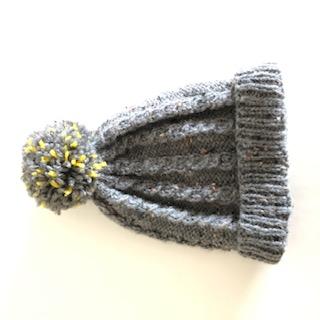 - Klassische graue Bommelmütze, Kopfumfang ca. 42cm  - Klassische graue Bommelmütze, Kopfumfang ca. 42cm