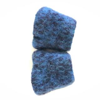 - gehäkelt und gefilzte blaumelierte Armstulpen Größe M  - gehäkelt und gefilzte blaumelierte Armstulpen Größe M