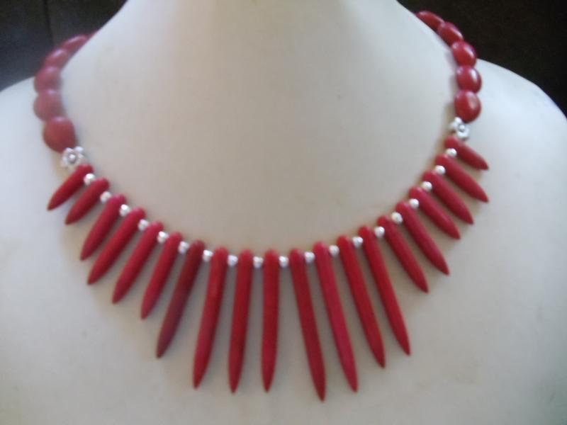 - Anna rote Howlith Stäbe eingefärbt mit Korallenoliven Hippie Ethno Stil - Anna rote Howlith Stäbe eingefärbt mit Korallenoliven Hippie Ethno Stil
