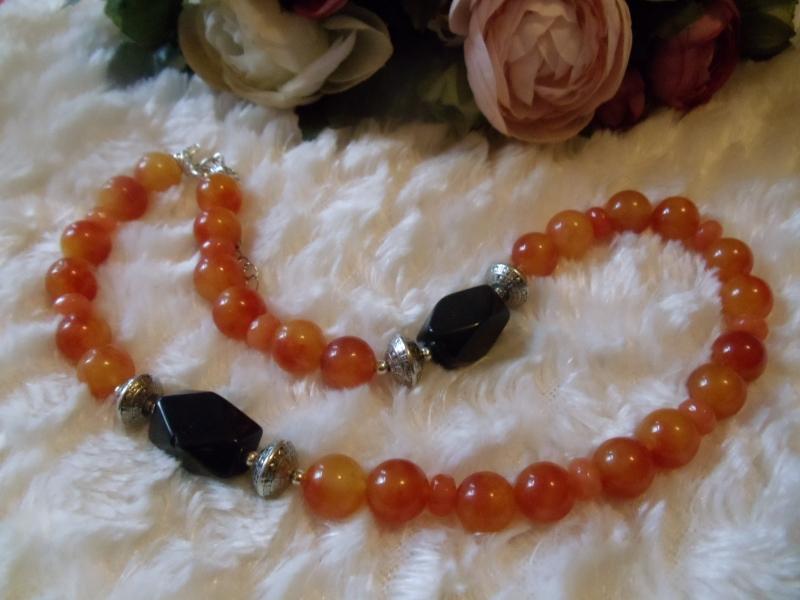 Kleinesbild - Edler Mandarin Achat mit Onyx und Granatrondellen