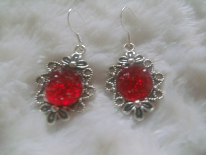 - Niedliche Ohrhänger im Vintage Stil rot - Niedliche Ohrhänger im Vintage Stil rot
