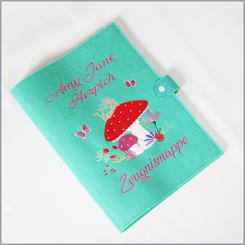 Kleinesbild - Zeugnismappe aus Filz ein Geschenk zur Einschulung in vielen Farben und tollen Motiven erhältlich
