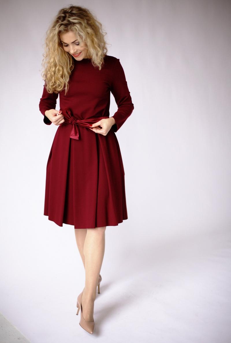 Burgundes knielange kleid, burgundes Kleid mit Ärmeln ...