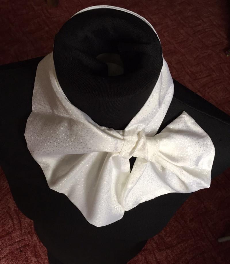 - Französisches Halstuch, Franton, Schal-Transformer in weiß - Französisches Halstuch, Franton, Schal-Transformer in weiß