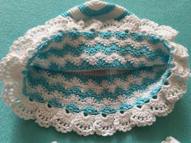 Kleinesbild - Baby-Jacke mit Mütze