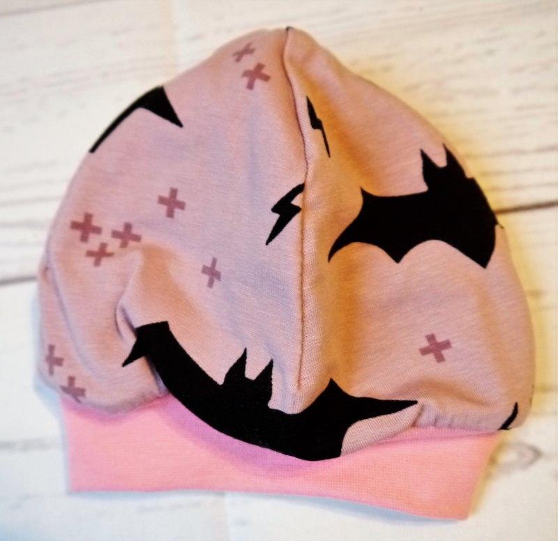 - Beanie mit Fledermäuse rosa selbstgenäht Kopfumfang 41-43 - Beanie mit Fledermäuse rosa selbstgenäht Kopfumfang 41-43