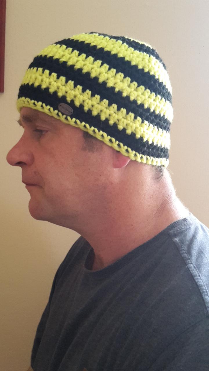 - Gehäkelte Mütze für Männer, Winter  in schwarz gelb gestreift - Gehäkelte Mütze für Männer, Winter  in schwarz gelb gestreift