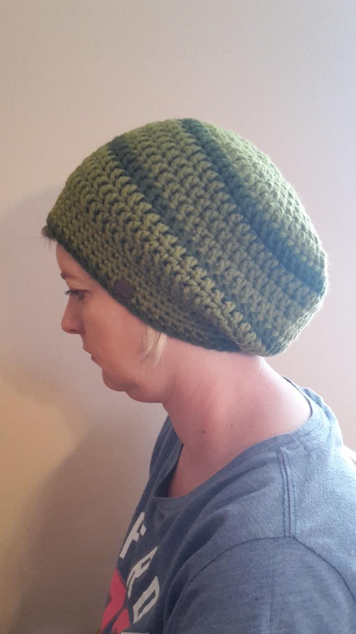 - Gehäkelte Mütze Ballonmütze für Frauen Winter in oliv khaki - Gehäkelte Mütze Ballonmütze für Frauen Winter in oliv khaki