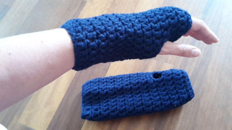 - Gehäkelte Stulpen Armstulpen Pulswärmer für Frauen in blau - Gehäkelte Stulpen Armstulpen Pulswärmer für Frauen in blau
