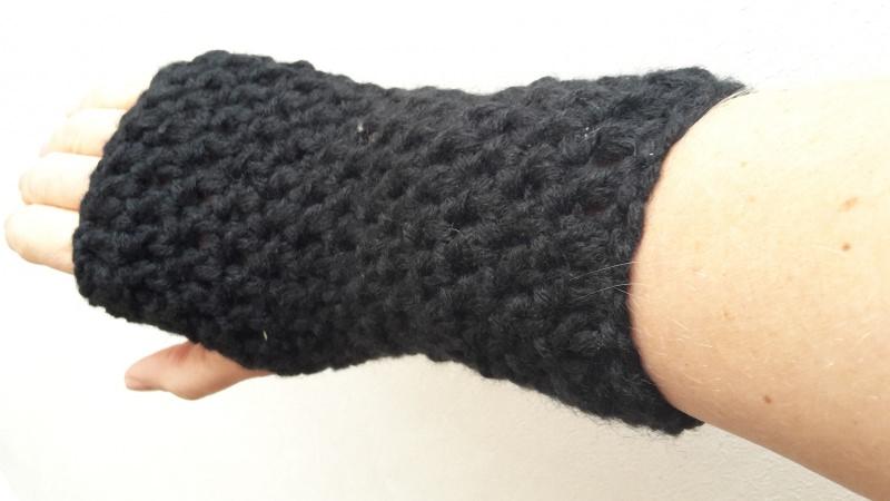 - Gehäkelte Stulpen Armstulpen Pulswärmer für Frauen in  schwarz - Gehäkelte Stulpen Armstulpen Pulswärmer für Frauen in  schwarz