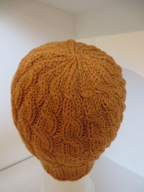 Kleinesbild - Mütze handegstrickt orange