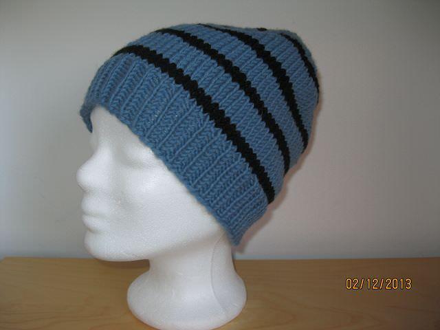 Kleinesbild - Strickmütze blaugrau und schwarz gestreift