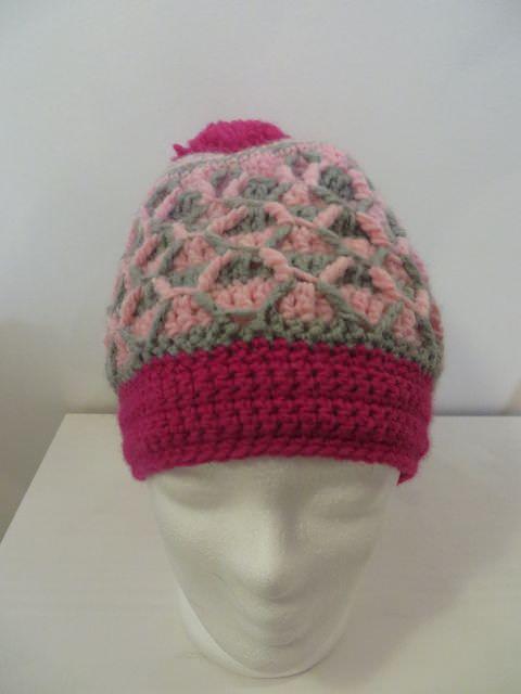 Kopfbedeckung Bommelmütze Gehäkelt Mit Reliefmuster