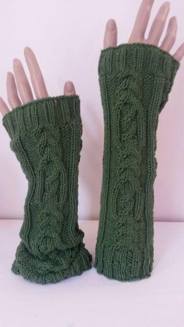 - Arm- Handstulpen mit exclusivem Zopfmuster SYLVIA handgestrickt - Arm- Handstulpen mit exclusivem Zopfmuster SYLVIA handgestrickt