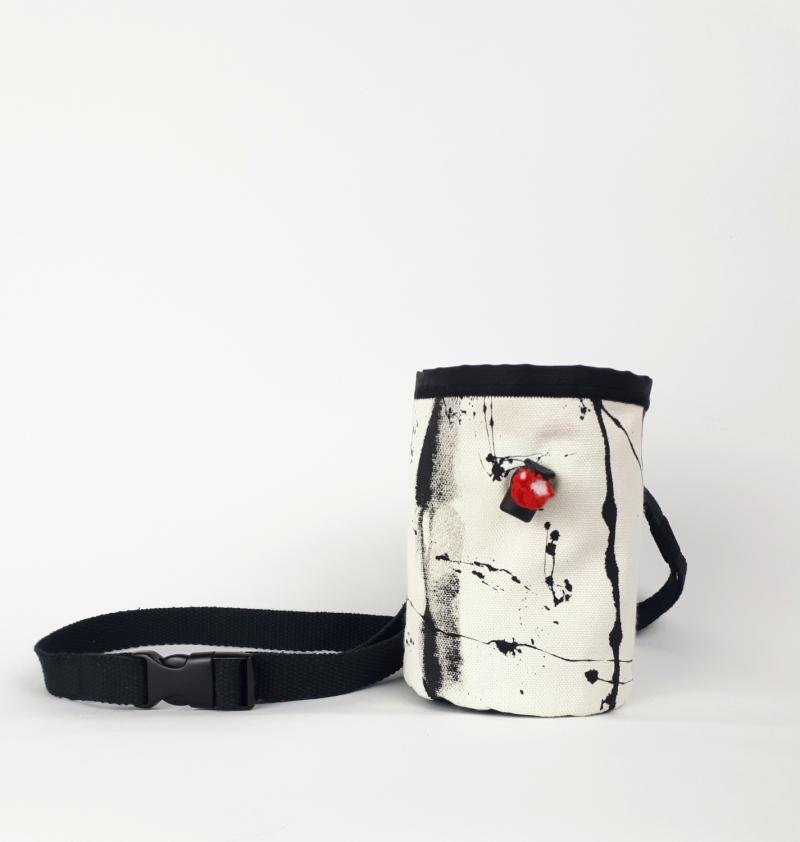 Kleinesbild - Leckerlibeutel mit Karabiner und Gurt für Hunde / Gassibeutel / Canvas