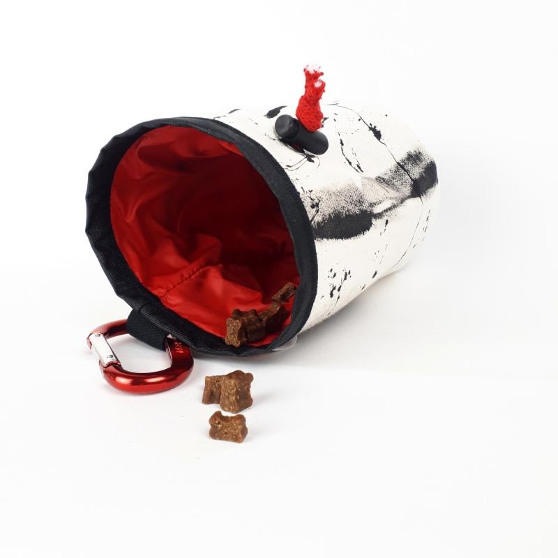 - Leckerlibeutel mit Karabiner und Gurt für Hunde / Gassibeutel / Canvas - Leckerlibeutel mit Karabiner und Gurt für Hunde / Gassibeutel / Canvas