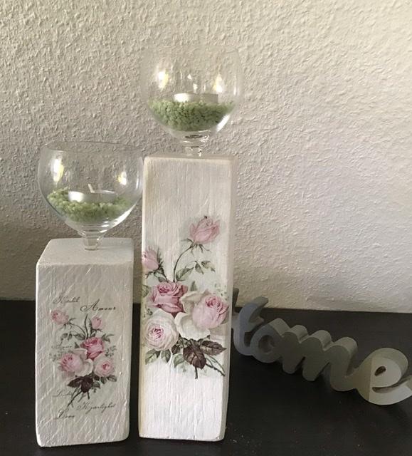 Kleinesbild - Kerzenständer  Holz handmade für Balkon und Terrasse ,inkl Gläser,Teelichter und Granulat - Rosen Romantik