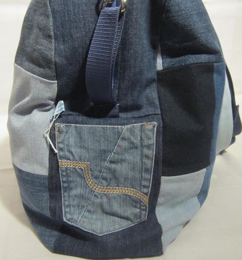 Kleinesbild - für Individualisten: Reisetasche, Sporttasche, Weekender, Jeans Upcycling, Patchwork, Handarbeit