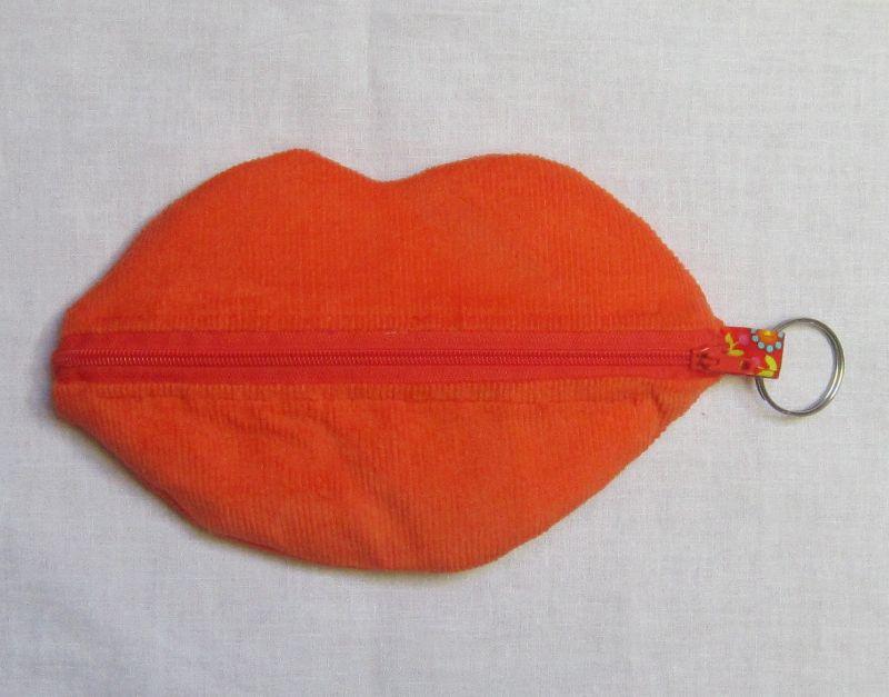 """Kleinesbild - Kosmetiktasche """"Mund"""", Schminktäschchen, Schlüsseletui, Notfalltäschchen, Universalmäppchen, 3 Farben, Handarbeit"""