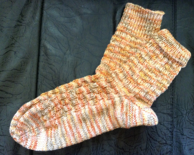 Kleinesbild - Socken handgestrickt, Strümpfe handgestrickt, Größe 39-40, orange, Socken handgestrickt in orange Gr. 39-40, Strümpfe handgestrickt in orange Gr. 39-40