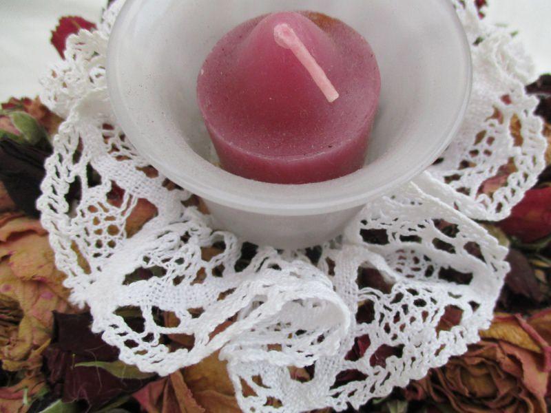 Kleinesbild - Rosenkränzchen mit Teelichthalter,   17cm
