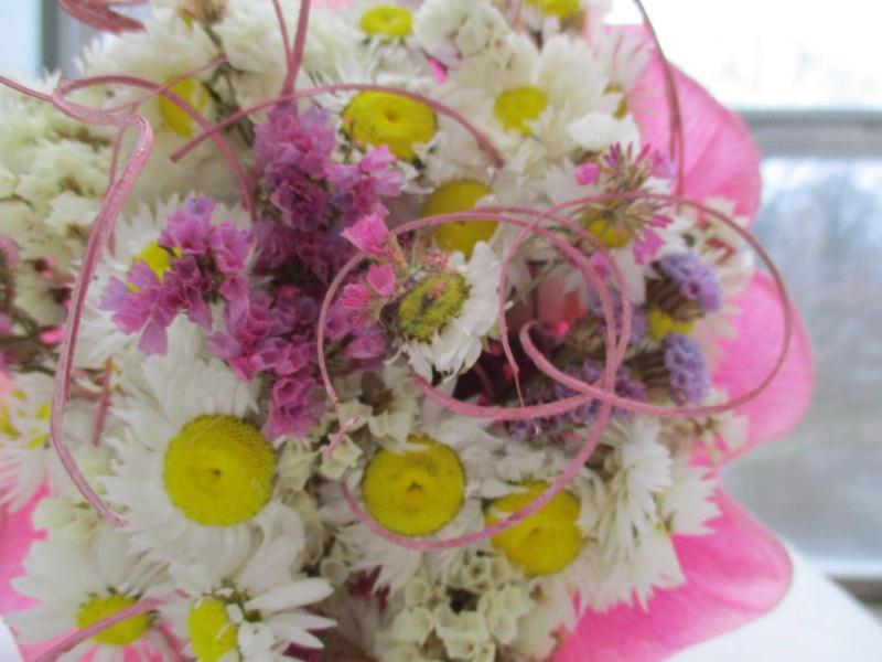 - Trockenblumenstrauß in weiß und rosa, 20cm - Trockenblumenstrauß in weiß und rosa, 20cm