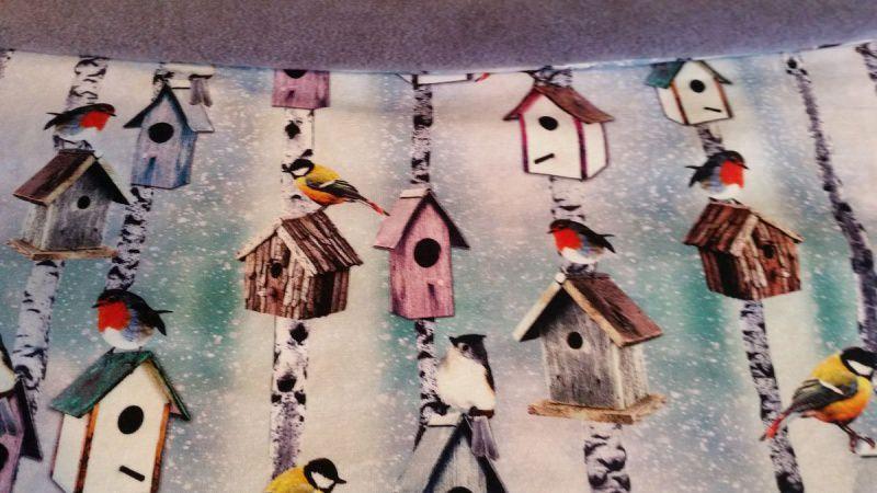 Kleinesbild - Schlauch-Schal - Motiv: Wintervögel und Vogelhäuschen  mit lila Fleece