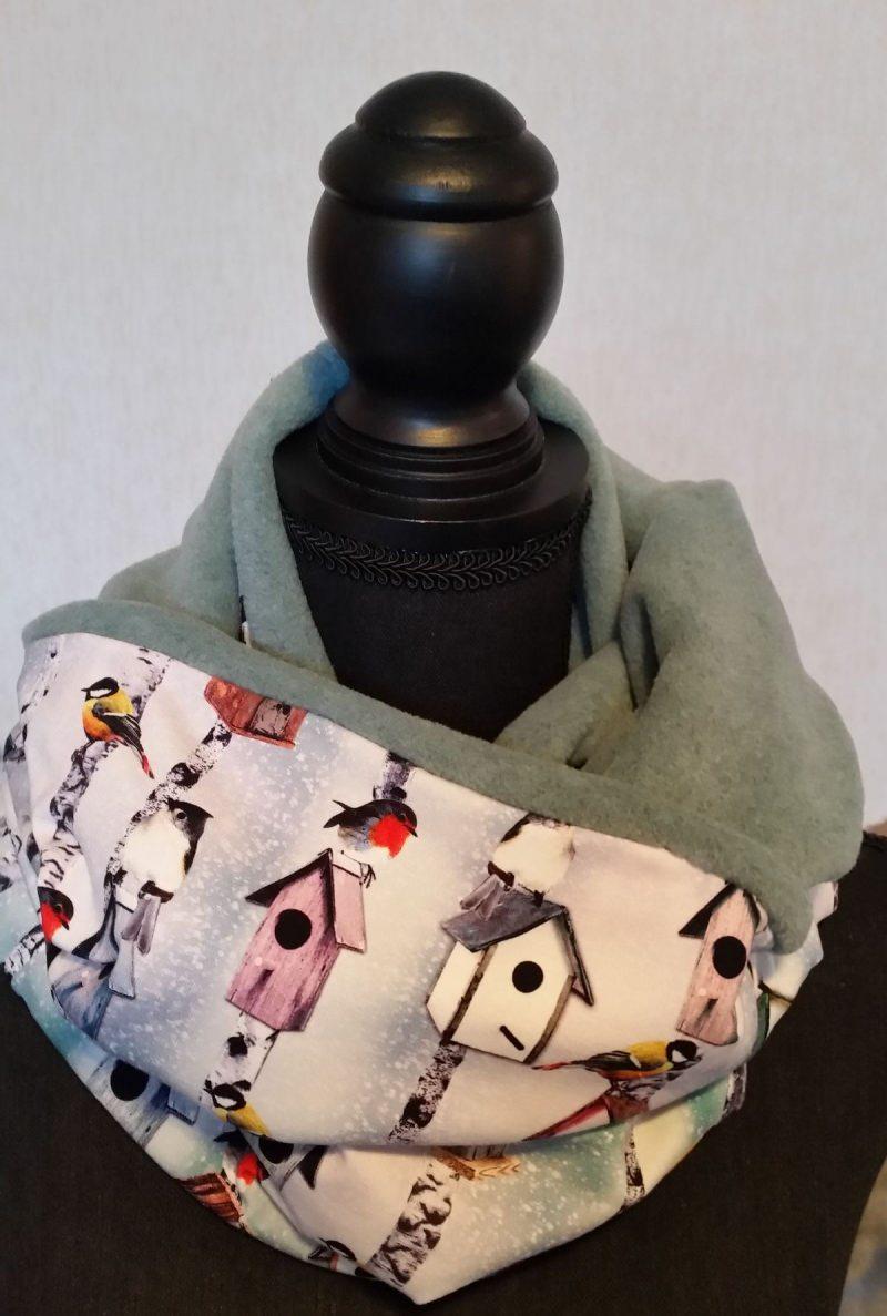 - Schlauch-Schal - Motiv: Wintervögel und Vogelhäuschen  mit blassgrünem Fleece - Schlauch-Schal - Motiv: Wintervögel und Vogelhäuschen  mit blassgrünem Fleece