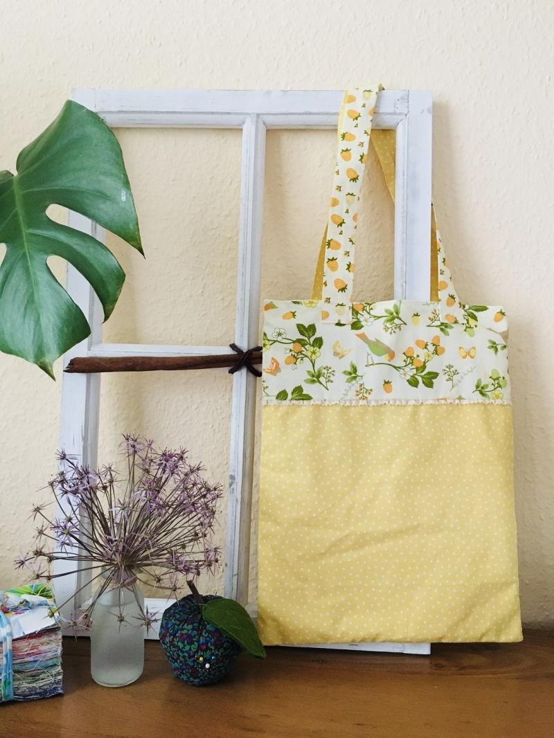 - Hübsche Tasche aus Baumwollstoff - Hübsche Tasche aus Baumwollstoff