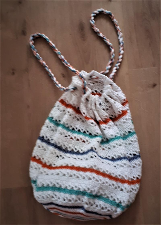 Kleinesbild - fröhliches Häkel - Netz aus Baumwollgarn