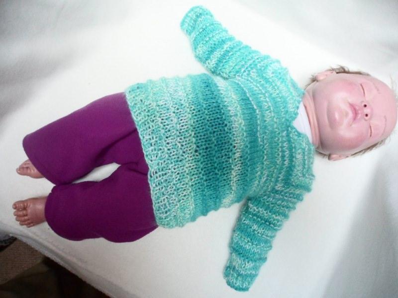 - Pullover 56-62 Für Babys oder Puppen Hier kannst du einen liebevoll gestrickten Babypullover erwerben. Die Wolle ist im Farbverlauf in hellen Farben weiß, blau, hell- und dunkelbla - Pullover 56-62 Für Babys oder Puppen Hier kannst du einen liebevoll gestrickten Babypullover erwerben. Die Wolle ist im Farbverlauf in hellen Farben weiß, blau, hell- und dunkelbla