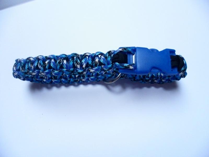 - Handgeflochtenes Hundehalsband mit Cobra-Knoten 41 cm lang und 2 cm breit aus Paracord Seilen - Handgeflochtenes Hundehalsband mit Cobra-Knoten 41 cm lang und 2 cm breit aus Paracord Seilen