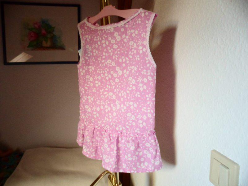 - Erst Sommerkleid später Tunika rosa mit kleinen weißen Blüten Größe  ca. 74– 92 ! Dass entspricht  ungefähr Kinder im  Alter von 8 – 26 Monaten. - Erst Sommerkleid später Tunika rosa mit kleinen weißen Blüten Größe  ca. 74– 92 ! Dass entspricht  ungefähr Kinder im  Alter von 8 – 26 Monaten.