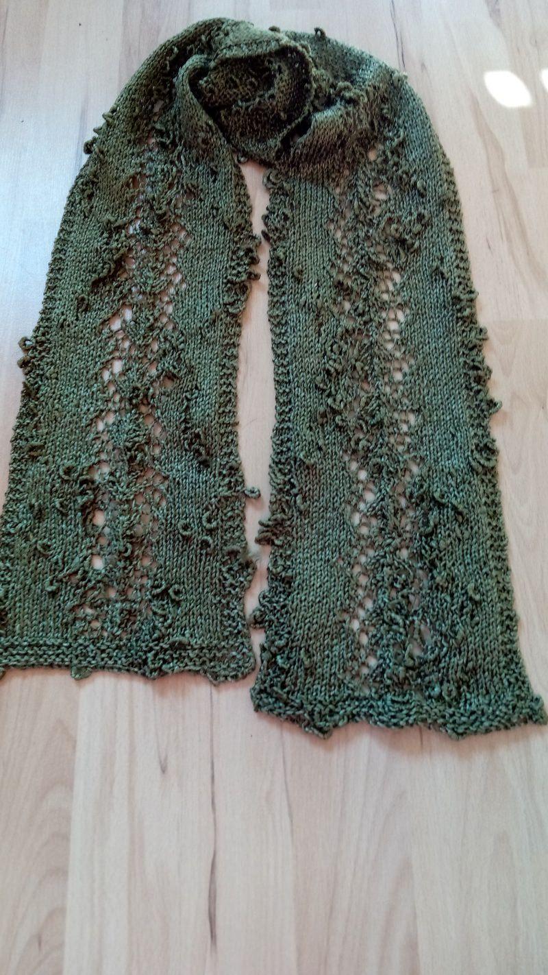 Kleinesbild - Filigrane Schals mit wunderschönem Muster und verschiedene Farben