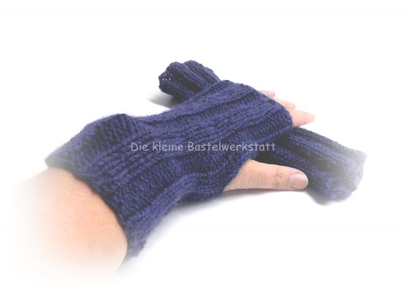 - Armstulpen gestrickt, Pulswärmer Zopfmuster, Armstulpen blau - Armstulpen gestrickt, Pulswärmer Zopfmuster, Armstulpen blau