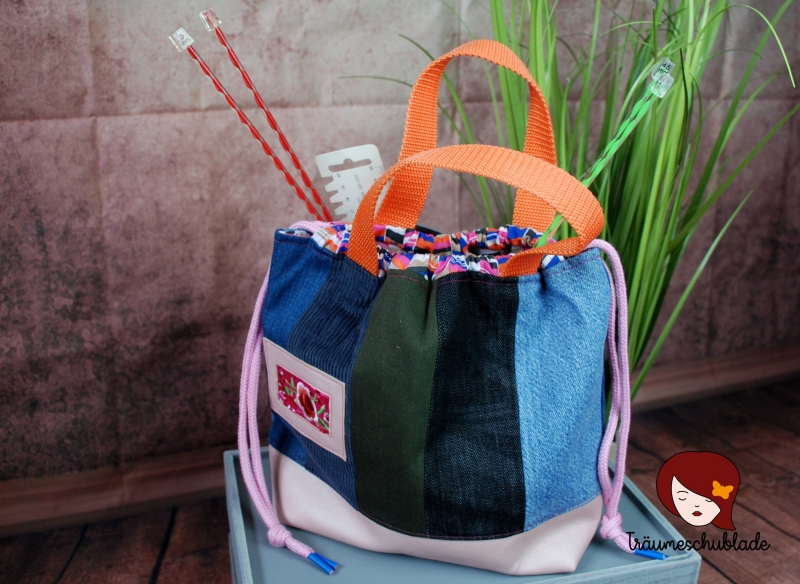 - Handarbeit Projekt Tasche Bunt mit Kordelzug Patchwork Jeans Upcycling blau, rosa, pink, bunt  - Handarbeit Projekt Tasche Bunt mit Kordelzug Patchwork Jeans Upcycling blau, rosa, pink, bunt
