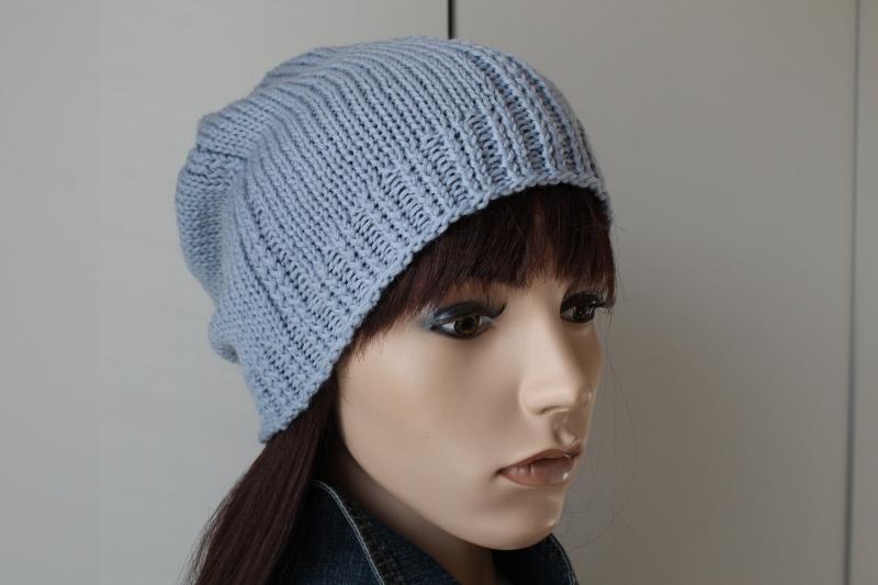 Kleinesbild - aus reiner weicher Wolle gestricktes Beanie in hellblau handmade handgestrickt blau neu Mütze  Strickmütze Damen
