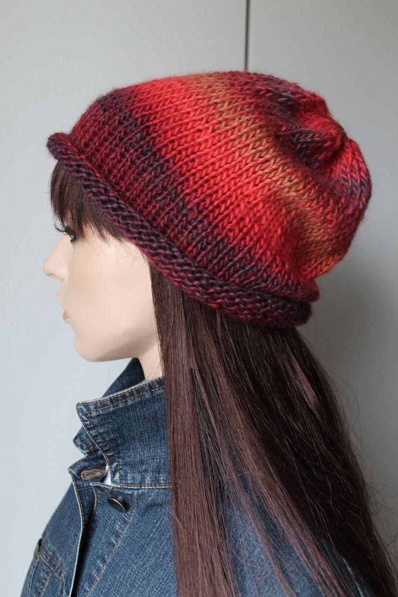 Kleinesbild - Strickbeanie mit wunderschönen Farben für Damen und Teenager Farbverlauf weich handmade Rollrand rot dunkelrot Strickmütze Mütze