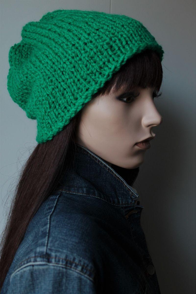 Kleinesbild - Knallgrüne Strickmütze für Damen intensives Grün Knallfarben Mütze handmade handgestrickt neu weich Buntstift grün Schurwollmix auffälliges schönes Grün Hingucker