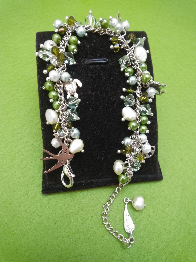 Kleinesbild - Armband mit Süßwasserperlen,Glasperlen und Silberanhänger.Schmuckdesign.Perfekte Geschenk für einen besonderen Menschen!