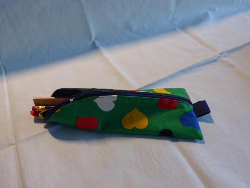 Kleinesbild - Stiftemäppchen  Baumwollstoff mit bunten Herzen