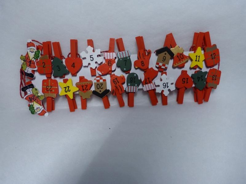 Kleinesbild - Adventskalender aus 24 Baumwollsäckchen mit weihnachtlichen Briefmarkenmotiven 11,5 x14 cm