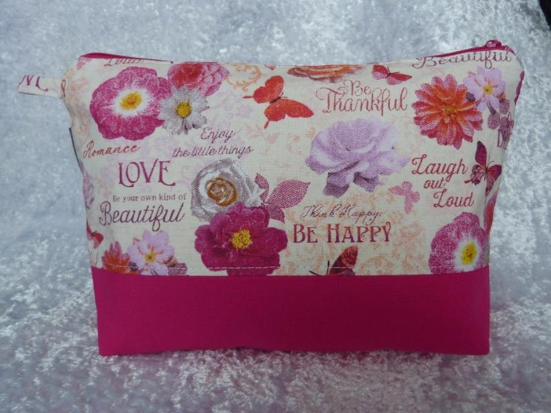 - Kulturtasche Baumwollstoff  genäht - pink mit Blumen und Schmetterlingen - Kulturtasche Baumwollstoff  genäht - pink mit Blumen und Schmetterlingen