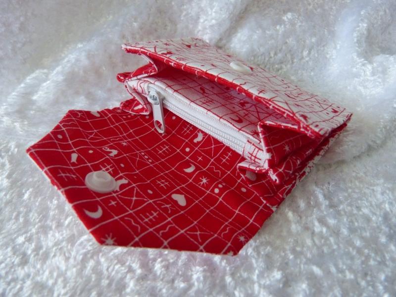 Kleinesbild - kleine Geldbörse aus Stoff mit Reißverschlussfach - weiß mit rotem Muster