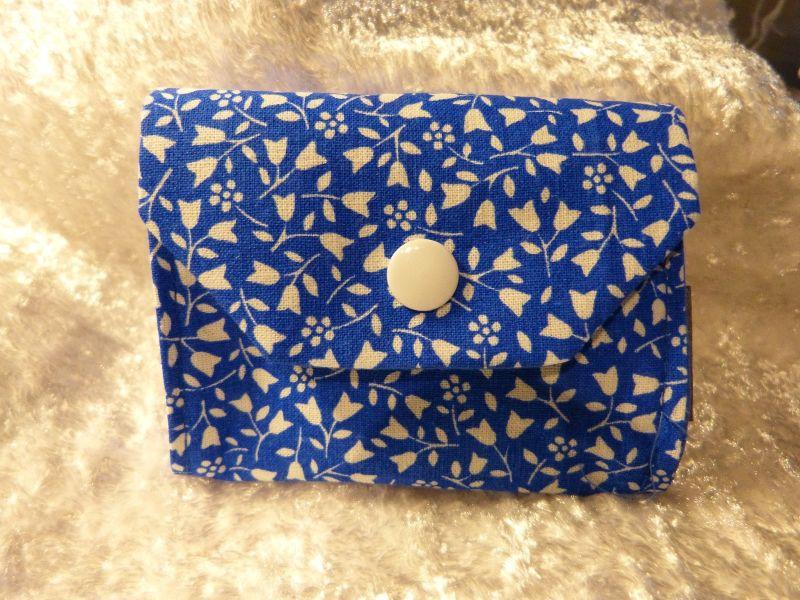 - kleiner Geldbeutel von mir genäht und geliebt - blau mit weiß - kleiner Geldbeutel von mir genäht und geliebt - blau mit weiß