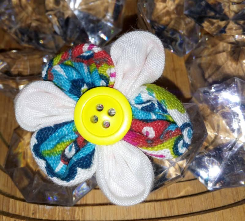 - Handgemachte selbst genähte bunte Haarspangen - Blume - Handgemachte selbst genähte bunte Haarspangen - Blume
