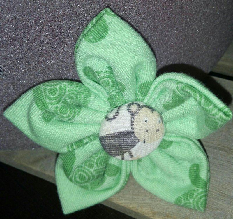 - genähte grüne Blüten-Haar-Spange für gross und klein - genähte grüne Blüten-Haar-Spange für gross und klein
