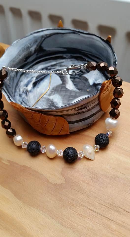 - Swarovski, Lava und Süßwasser Perlen - Mix , Armband - Swarovski, Lava und Süßwasser Perlen - Mix , Armband