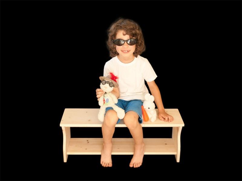 Kleinesbild - massive Kinderbank aus Holz (Schuhbank  Sitzbank für Kinder  Kindersitzbank  Blumenbank)