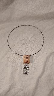 - handgefertigtes Collier mit Buchanhänger und Vogelkäfig - handgefertigtes Collier mit Buchanhänger und Vogelkäfig